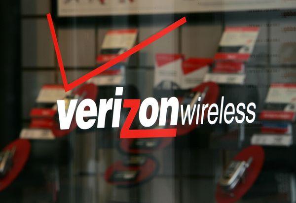 verizon wireless Verizon sold 15 million Android phones in 2011; with 1.5m new wireless subscribers in Q4